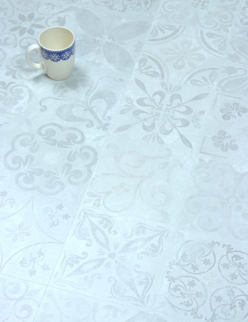 Faus Traditional Tile