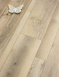 River Oak Laminate Floor