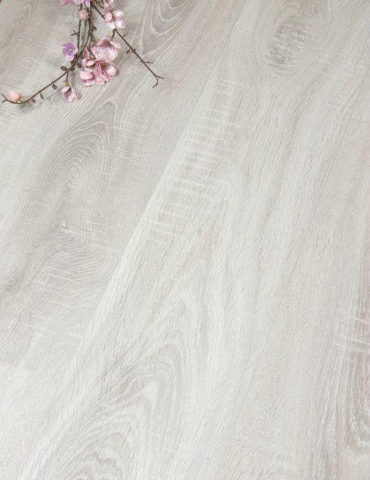 Light grey Oak laminate Flooring